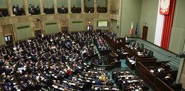 """Komisja poparła poprawki do projektu """"Za życiem"""". Głosowanie - w piątek"""