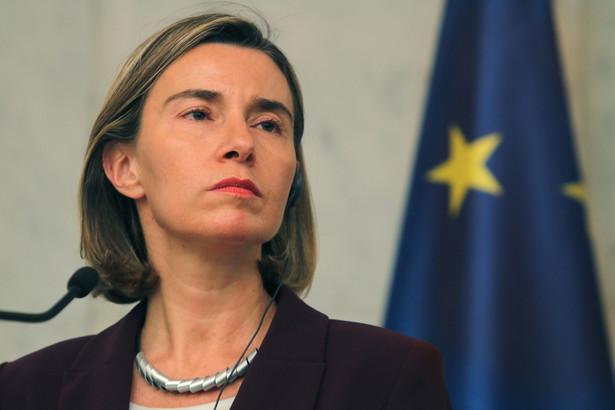 Mogherini tłumaczyła, że ONZ, reprezentowane na Malcie przez przedstawiciela ds. operacji utrzymywania pokoju Jean-Pierre'a Lacroix, wezwało UE, aby poważnie zajęła się tą kwestią.