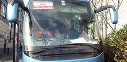 Wandale zdewastowali polski autokar. To atak rasistowski?