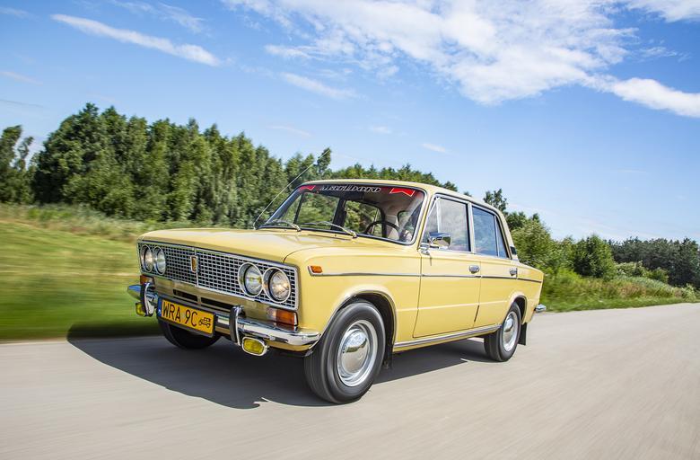 Światowa premiera Łady 1500 (WAZ 2103) odbyła się z przytupem, bo na salonie samochodowym w... Nowym Jorku w styczniu 1973 roku. Pod koniec 1975 roku  pojawił się model 2106, z motorem 1.6.