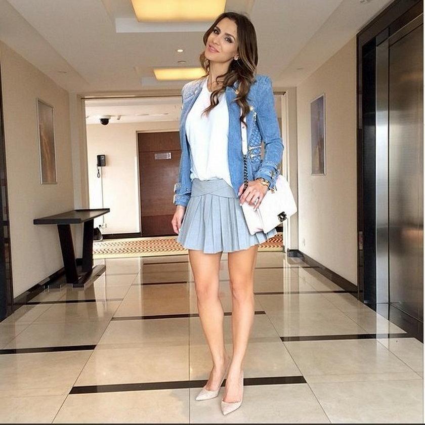 Sara Boruc pozuje do zdjęcia w drogiej stylizacji