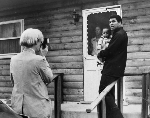Vorholove fotografije Alija danas se prodaju i za tri miliona dolara