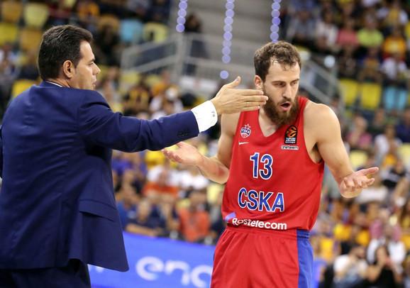 Trener CSKA Dimitris Itudis i Serhio Rodrigez