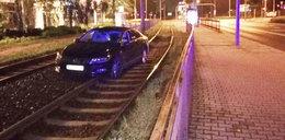 Po pijaku samochodem przez torowisko tramwajowe! Tak zabalował jeden z prezesów z PiS-u