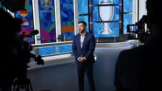 Pénteken kezdődik a labdarúgó Eb! A nyitómérkőzésen debütál az M4 új  sportstúdiója