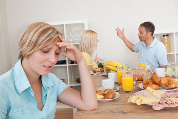 Obowiązek alimentacyjny wobec rodziców istnieje niezależnie od tego, czy dbali o swoje pociechy, czy nie zajmowali się nimi.
