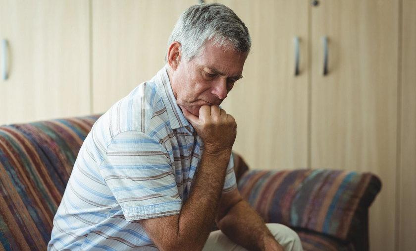 Seniorzy oddają mieszkania, by mieć rentę