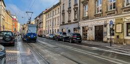 Ulica Krakowska: Urzędnicy z ZDMK nie doczekali się obiecanych przez wykonawcę poprawek
