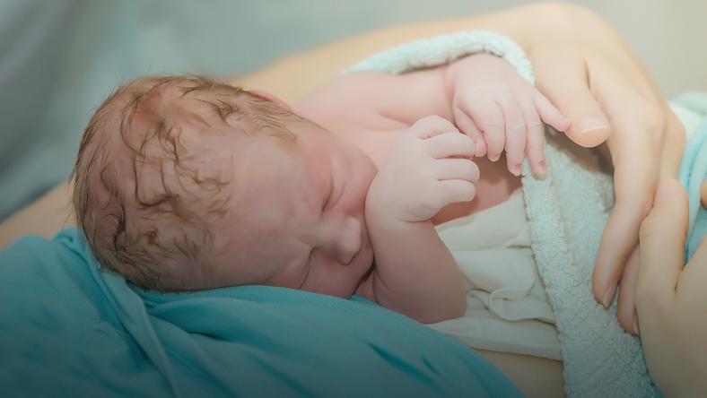 ac12efd3 We Włoszech kobieta urodziła pierwsze dziecko w wieku 62 lat - Dziecko