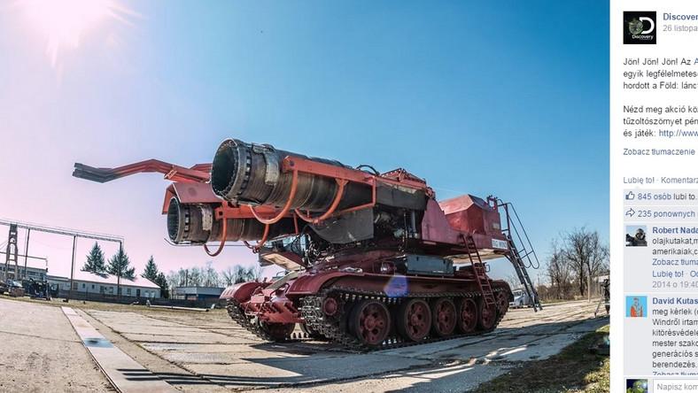 W trakcie konstruowania urządzenia do gaszenia szybów naftowych, inżynierowie inspirowali się radzieckimi czołgami gaśniczymi. Maszyny te wyposażone były w silniki odrzutowe, wdmuchujące substancje chemiczne i wodę z ogromną siłą