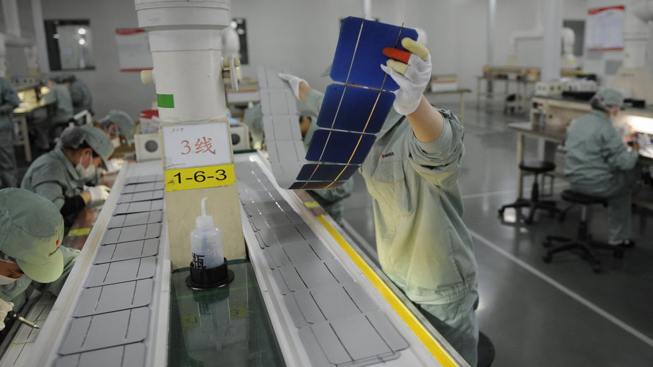 Chińska fabryka paneli solarnych w Wuxi