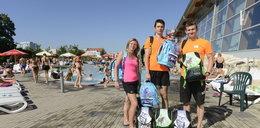 Darczyńcy kupują plecaki dla dzieci