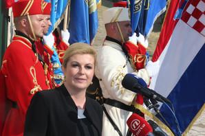 Hrvatska predsednica: Makedonija pripada EU i NATO (VIDEO)