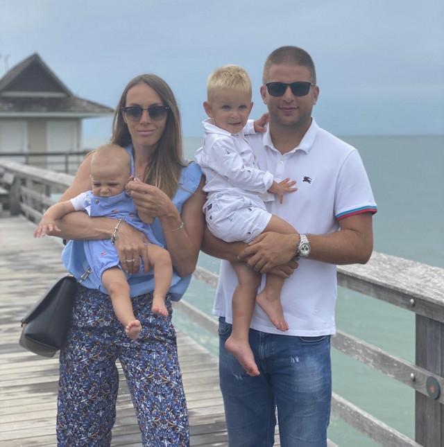 Vlasnik Luka Jović sa porodicom