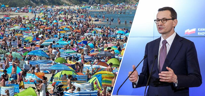 Tłumy na plażach, Polacy cieszą się wolnością. A co robi rząd? To bardzo dziwna sytuacja