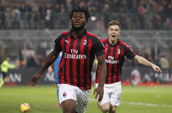 Fudbaleri Milana proslavljaju pogodak