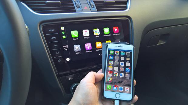 CarPlay działa świetnie w Skodzie. Telefon jest szybko rozpoznawany. Jak zwykle problemy sprawia Spotify, ale nie jest to wina Skody. Skoda Octavia