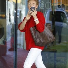 Sonia Bohosiewicz w drodze do telewizji fotografuje... paparazzi