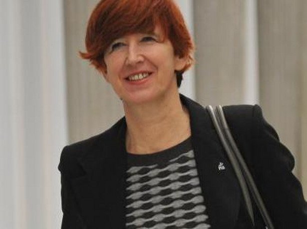 Elżbieta Rafalska poinformowała, że kwestia ewentualnego uzależnienia wieku emerytalnego od stażu pracy zostanie omówiona z przedstawicielami związków zawodowych
