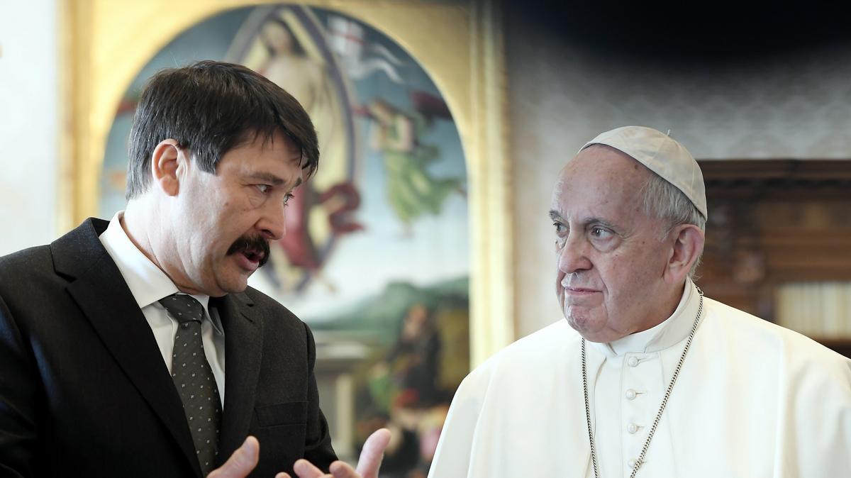 """""""Hatalmas pofonnal ér fel"""" - Sem Áderrel, sem Orbánnal nem akar találkozni Ferenc pápa, amikor Budapestre jön"""