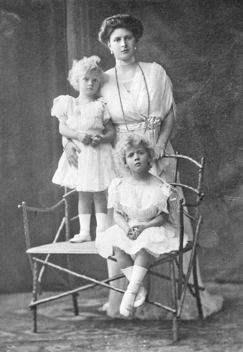 Alicja Battenberg z dziećmi