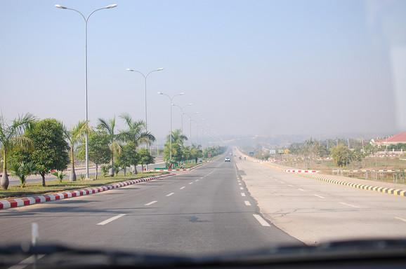 Prostrane avenije mjanmarske prestonice