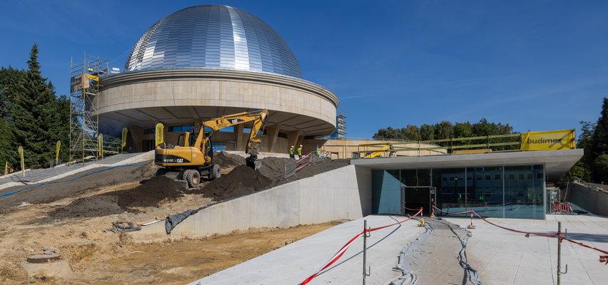Pod Planetarium wmurowali kapsułę czasu. Otworzą ją po 40 latach