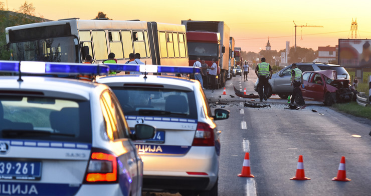 Novi Sad123 saobracajna nesreca udes na putu Rumenackom putu foto Nenad MIhajlovic