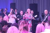 Lepa_Brena_o_svadbi_show_clip_safe
