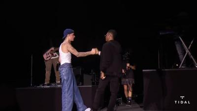 Wizkid joins Justin Bieber on stage at Made in America to perform 'Essence'
