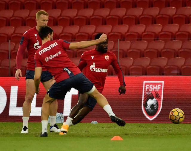 Fudbaleri Crvene zvezde zvezde na Nacionalnom stadionu u Tirani