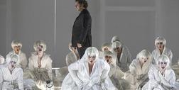 Wypadek na scenie w teatrze operowym w Turynie, ranni chórzyści