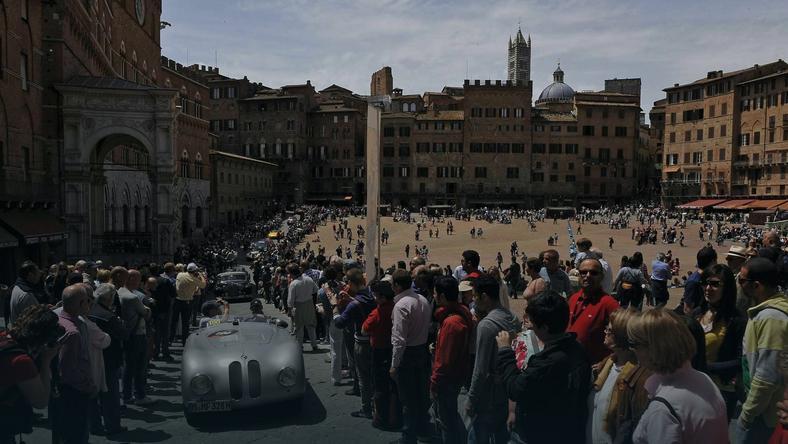 Piękna reprezentacja BMW Group Classic w Mille Miglia