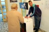Loznica01 u loznici 380 potpisa za dva dana podrska fondaciji tijana juric foto s.pajic