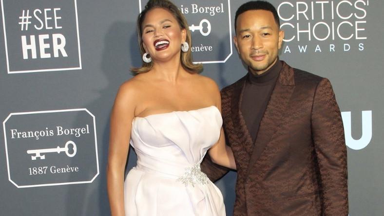 Ostatnie zdjęcia pary zrobiono zrobiono podczas wczorajszej gali USA Cinema Critics Choice Awards i to właśnie na ich podstawie Chrissy została negatywnie oceniona przez użytkowników Sieci...