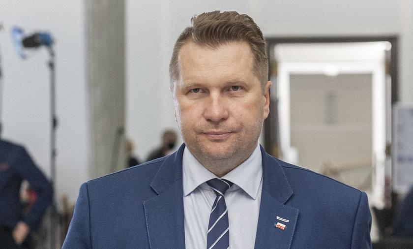 Przemysław Czarnek kolejny raz na ustach internautów.