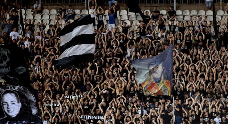 FK Partizan, FK Malatja, Grobari