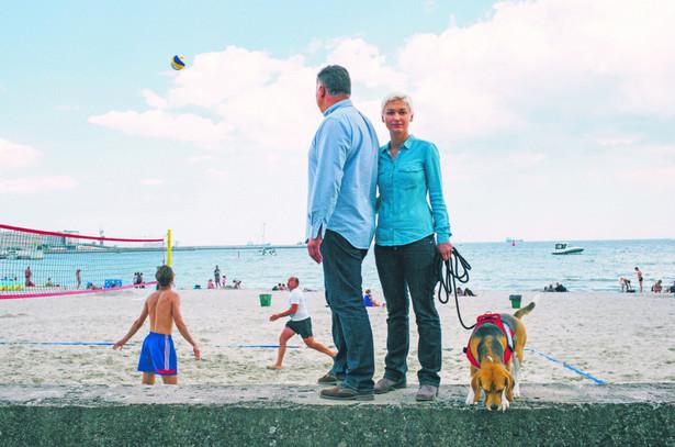 W 2010 r. Merkel mówiła, że polityka multikulti się nie sprawdza. A w 2011 r. rząd niemiecki zaczyna ganianie, a w zasadzie polowanie, na duże domy, w których mogliby zamieszkać imigranci, uchodźcy