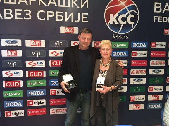 Milan Tasić i Jasmina Branković, dobitnici specijalnih poklona KSS