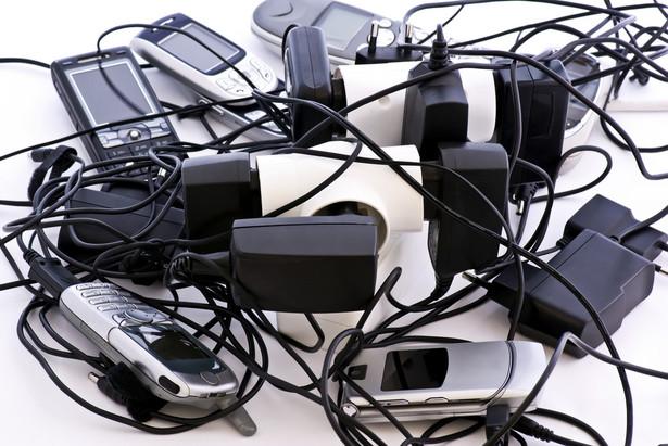 Już wkrótce będzie można oddać złom do sklepu z elektroniką