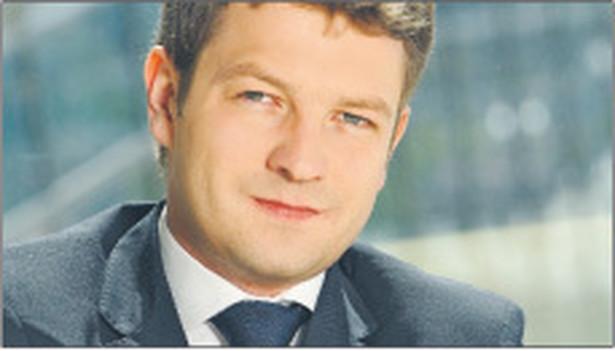 Dawid Radkiewicz, adwokat, kancelaria Salans