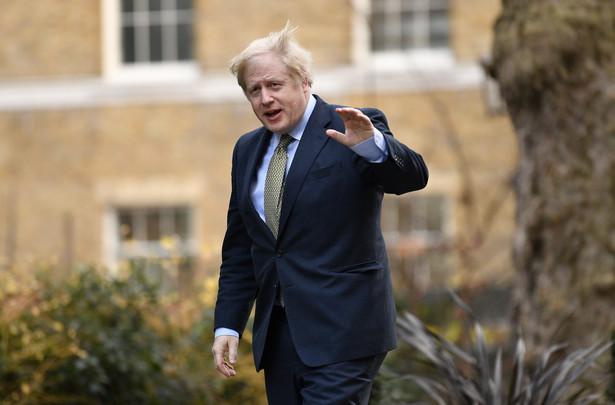 Największe zwycięstwo wyborcze konserwatystów od 1987 r. daje Borisowi Johnsonowi spore pole manewru w polityce wewnętrznej