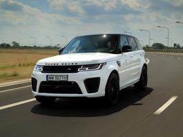 Range Rover Sport SVR – cudownie bezsensowny olbrzym | TEST