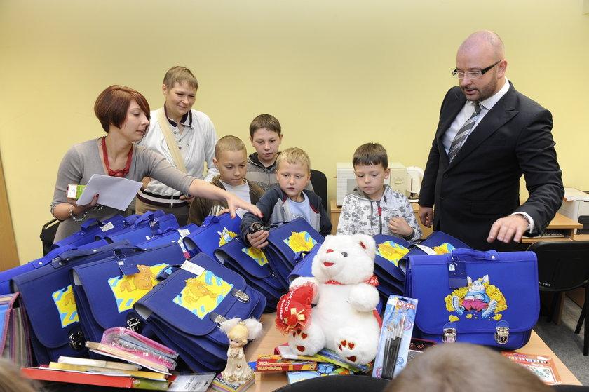 """Pierwsza edycja akcji wrocławskiego Faktu i MOPSu """"Wyprawka dla ucznia"""""""