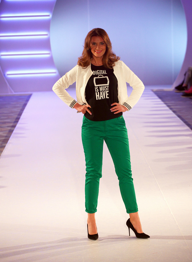 Maja Manojlović, poznata TV voditeljka, otvorila je reviju