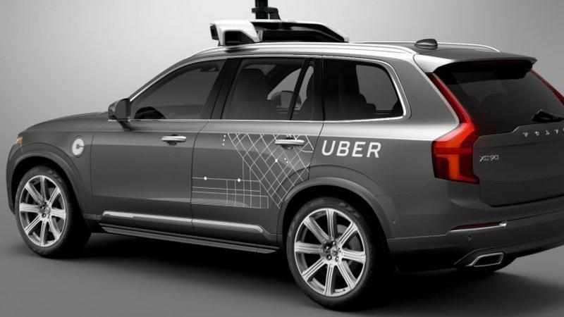 Autonomiczne auto Ubera rozbite