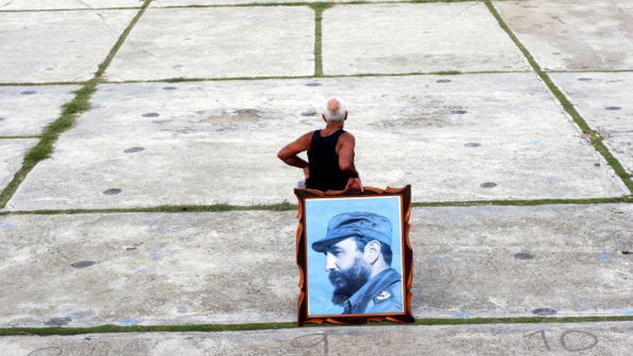 W oczekiwaniu na demonstrację poparcie Fidela Castro, 2006 r