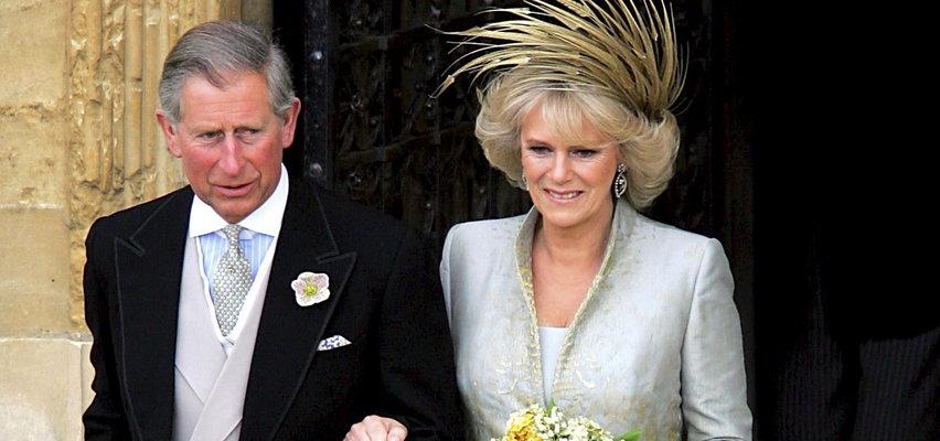 Dlaczego książę Karol i księżna Camilla długo nie brali ślubu? To królowa matka próbowała zniszczyć ich miłość?