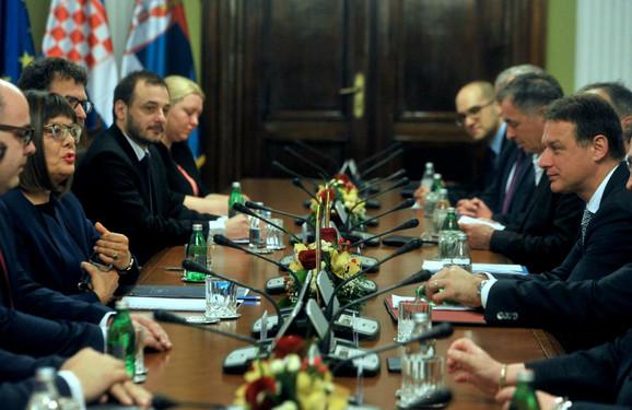 Sastanak srpske i hrvatske delegacije u Skupštini Srbije
