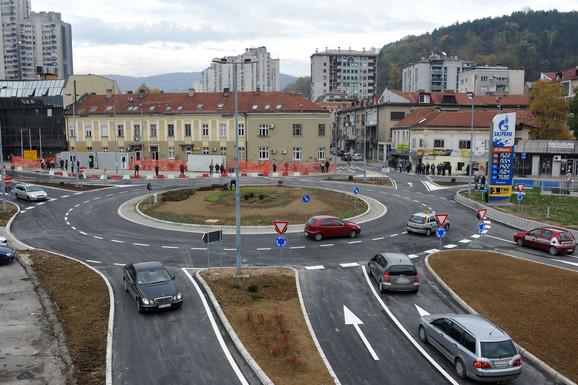 Saobraćaj bezbedniji, nema više gužvi: Prva vozila prošla danas otvorenim kružnim tokom